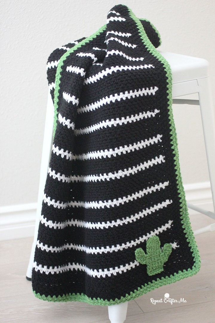 Black and White Striped Moss Stitch Blanket Pattern