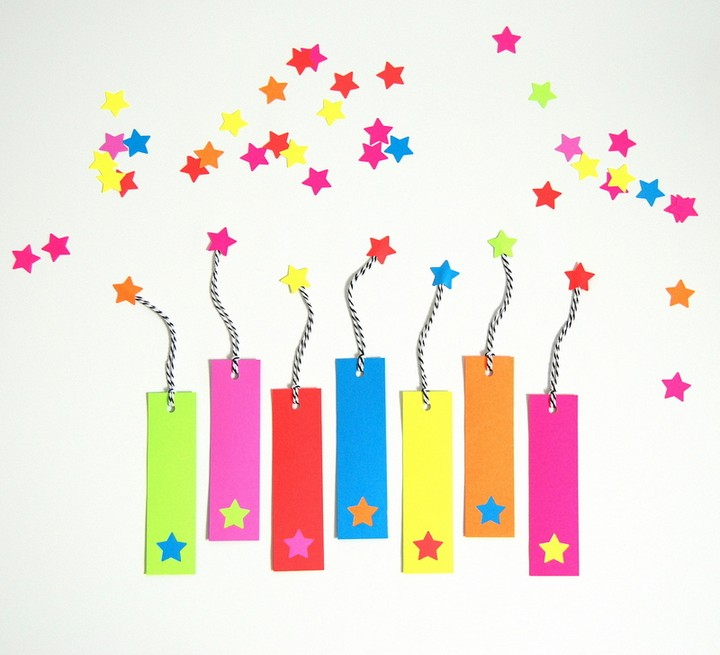 DIY Colorful Paper Bookmark Ideas With Stars Yarn