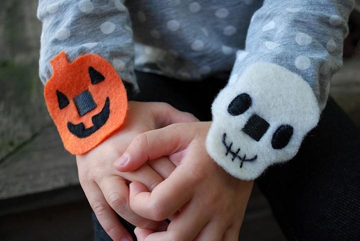 DIY Easy Halloween Pumpkin And Skulls No Sew Bracelets