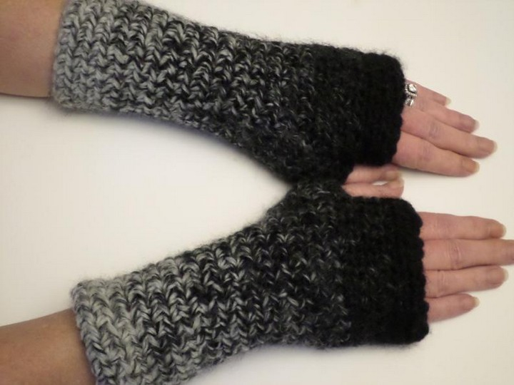 DIY Lightning Fast Fingerless Gloves Pattern With Wool Wristless