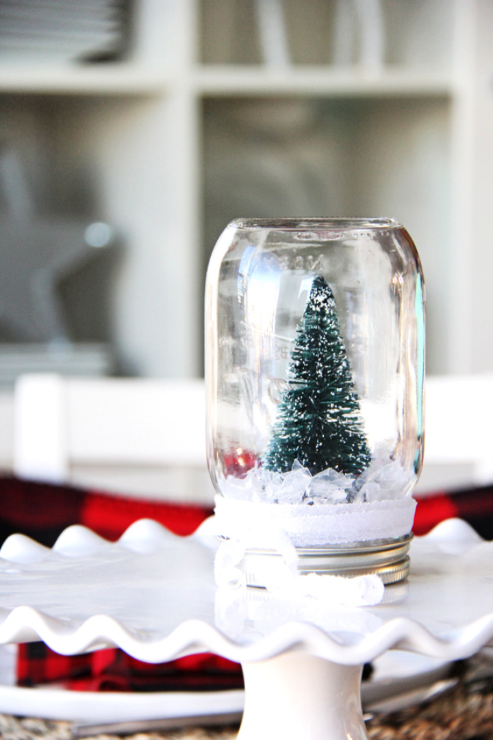 Decent DIY Meson Jar With Snow Globe Using In Home For Centrepiece