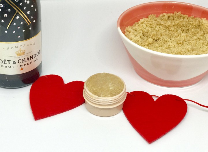 Easiest DIY Beauty Popscorn Lip Scrub In Jars With Hearts