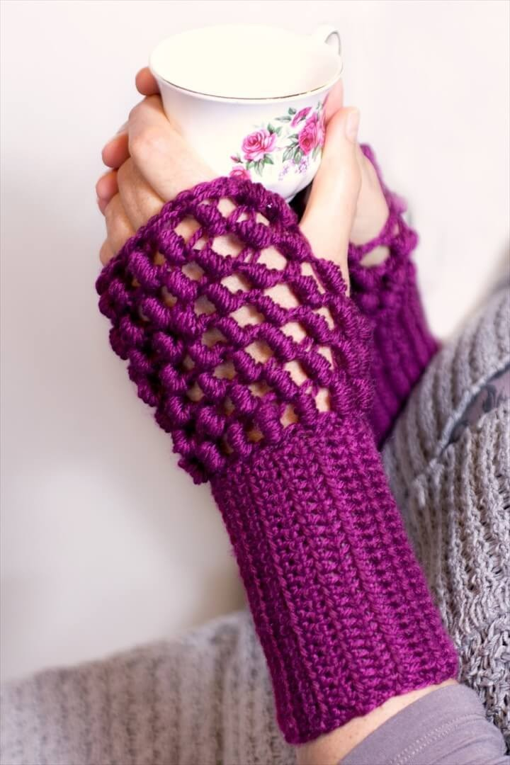 Easy To Make Crochet Knitted Gloves In Purple Color For Womens