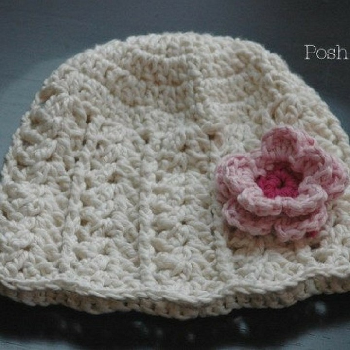 Free Crochet Hat Pattern With Flowers In White Color
