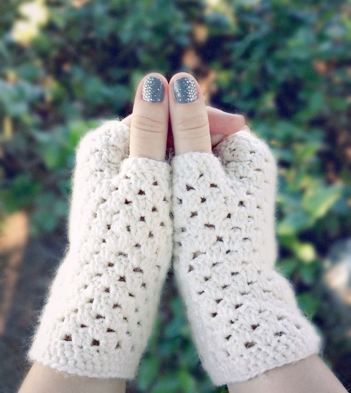 Handmade Crochet Fingerless Warm Gloves In White Color