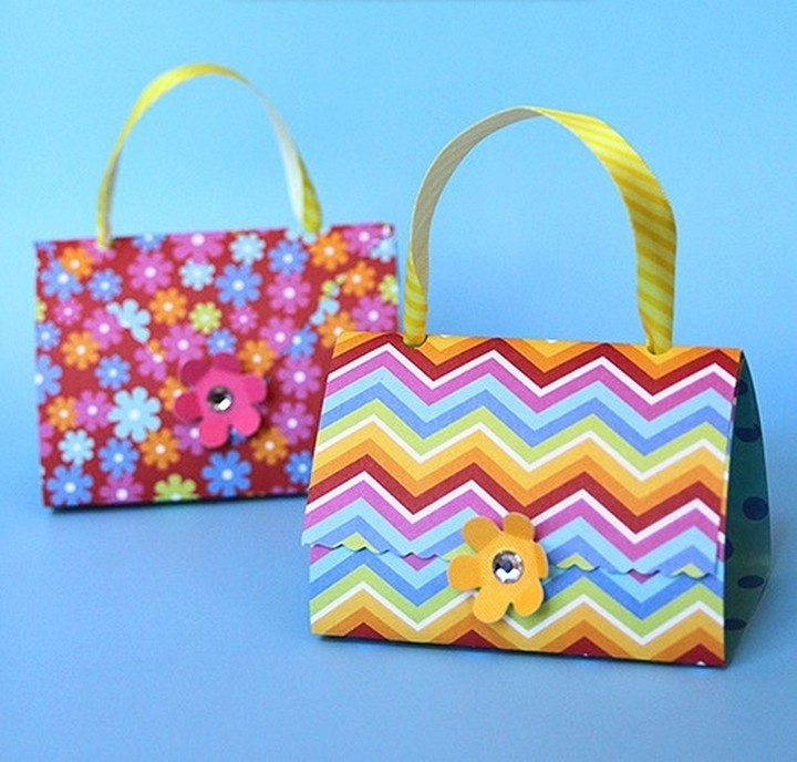 How to Make Paper Purse Party Favors