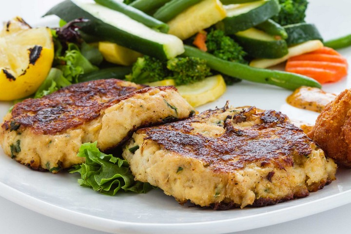 How to Pan Fry Crab Cakes