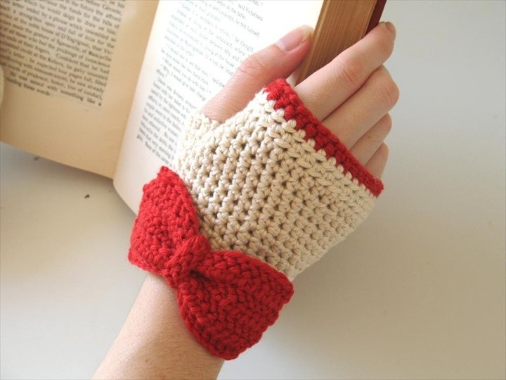 Ivory and Red gloves with bows