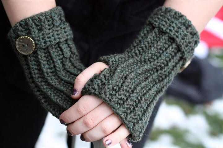 Poweering Through Winter Easy Crochet Fingerless Gloves Pattern