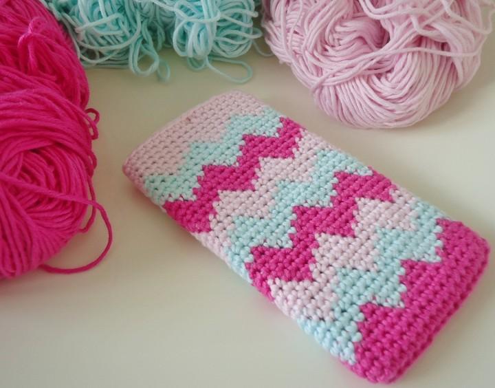 Tapestry Crochet Chevron Phone Case
