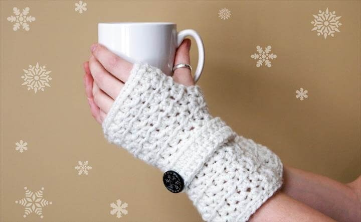 White Color Marvelous Crochet Fingerless Glove Pattern Ideas