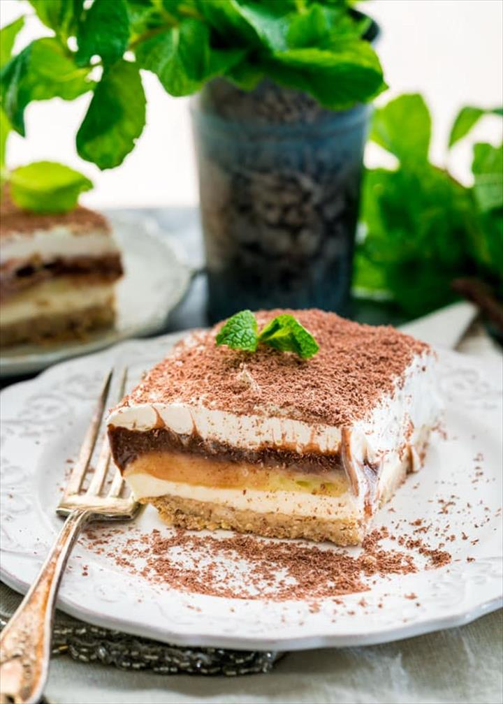 Amazing Dessert Cake In A Pan With Choclate Powder