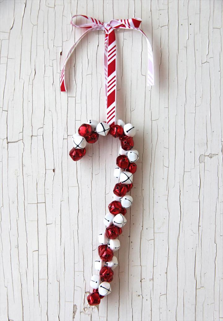 DIY Jinglec Bell Wreslet With Candy Can