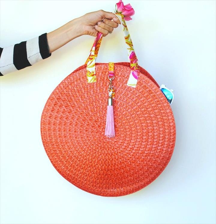 DIY Placment Wicker Bag Using With Tassel