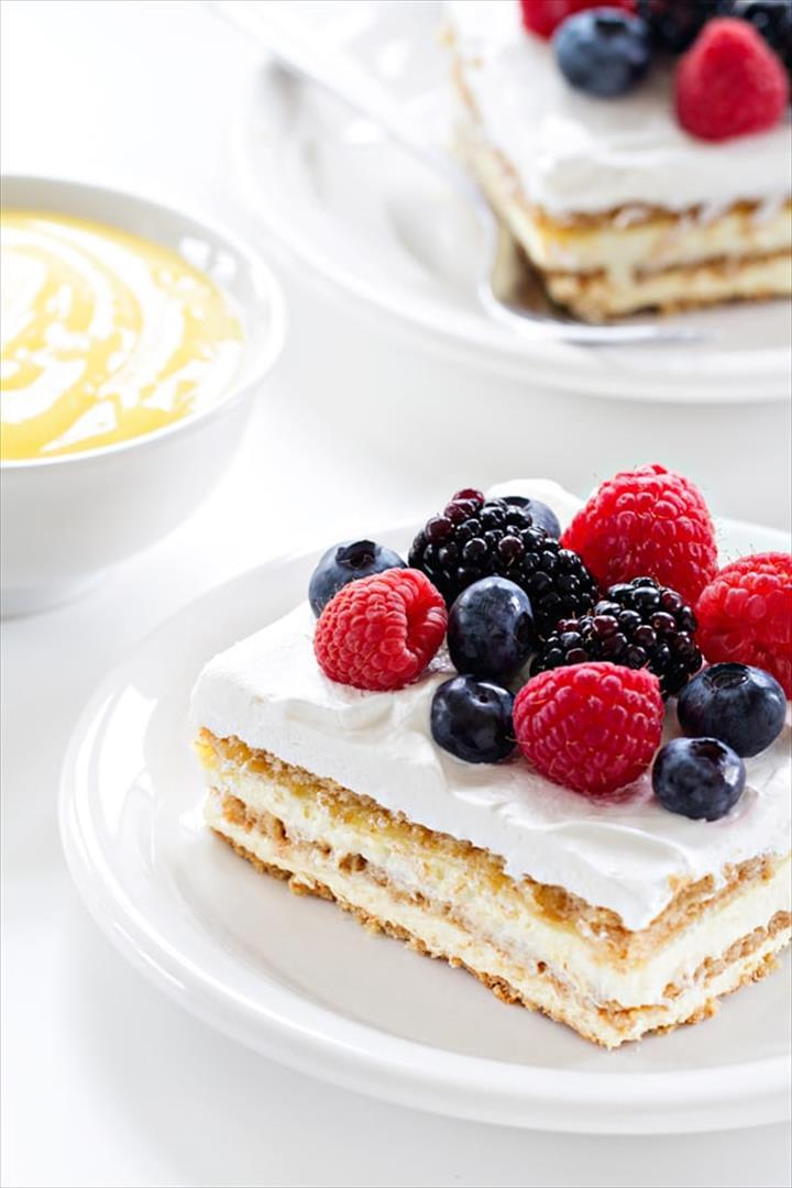 Delecious Ice Baked Lemon Dessert Cake