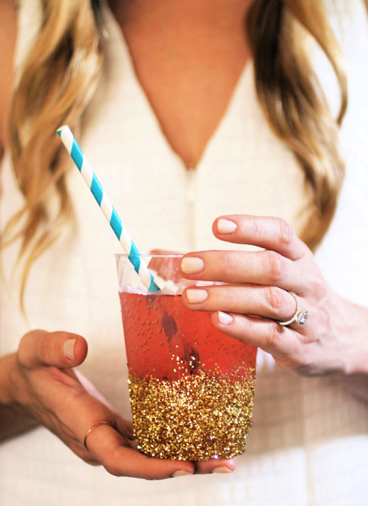 Golden Glitter Dipped Cup With Straw