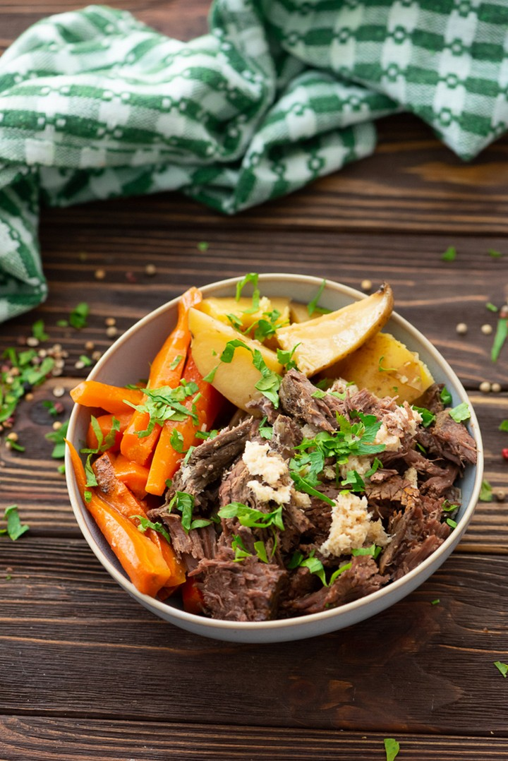 Slow Cooker Pot Roast Only 5 Ingredients