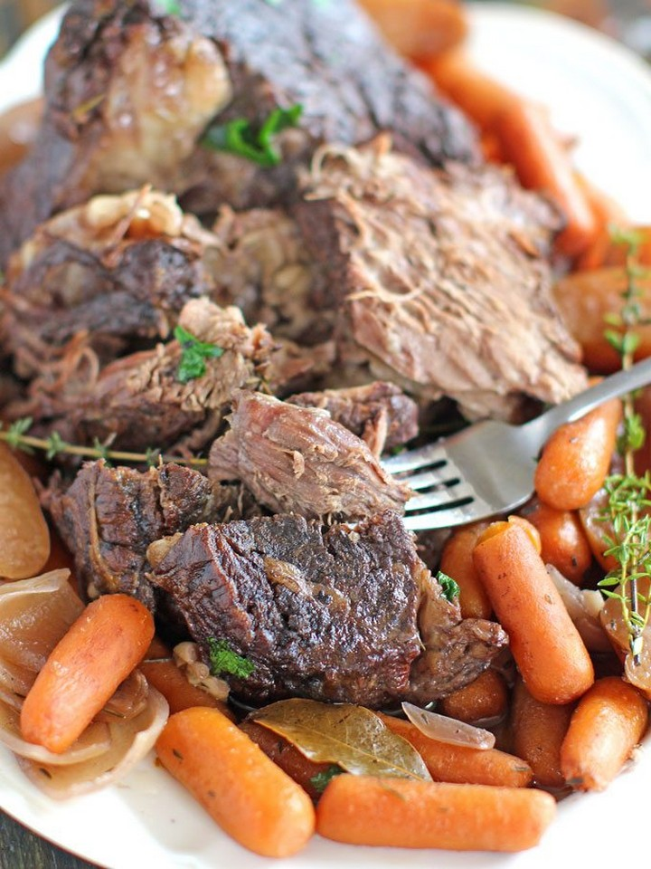 Slow Cooker Pot Roast with Red Wine