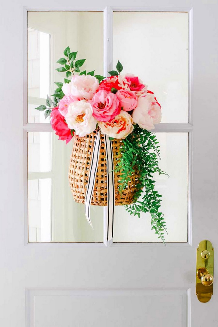 Colorful DIY Summer Wreath Basket For Hanging